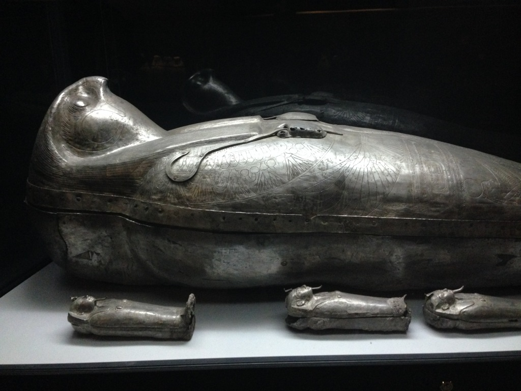 Silver coffin and canopic coffinettes of Sheshonq II now in the Egyptian Museum (author's' photo)