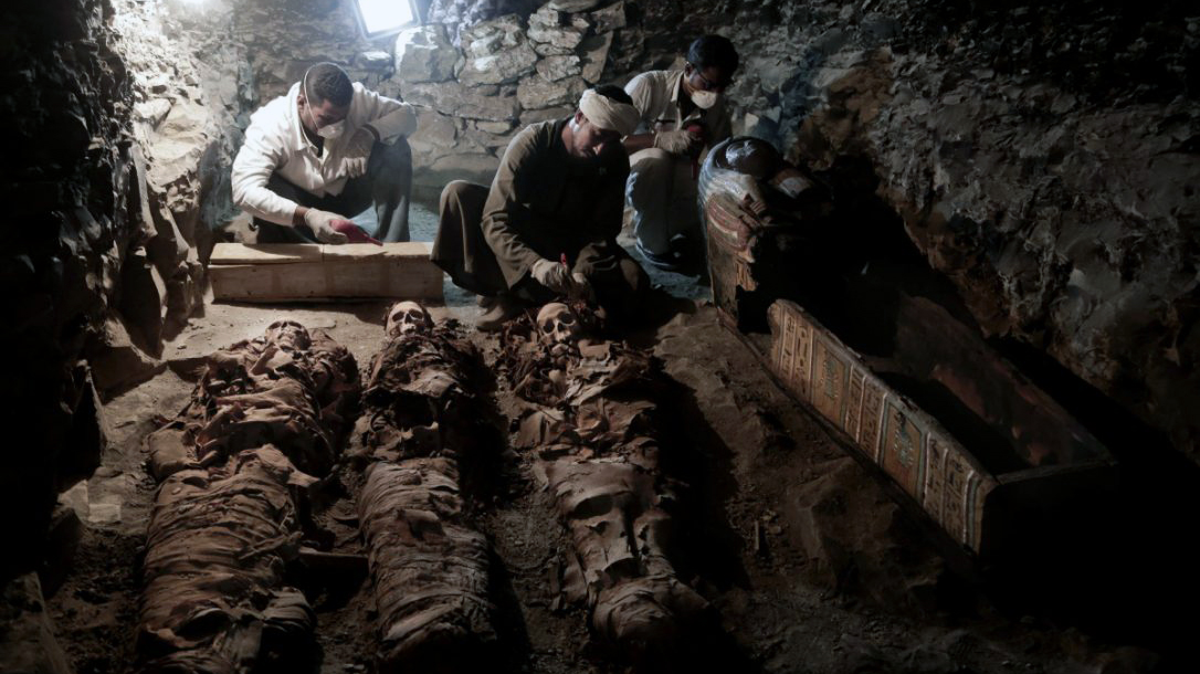 A look at some of the mummies within the goldsmith's tomb (Photo: Nariman el-Mofty)