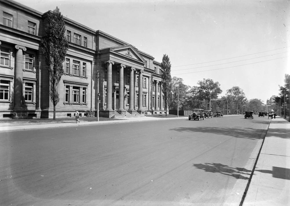 The Lillian Massey Building as it looked in the 1930s (Photo: Toronto Archives)