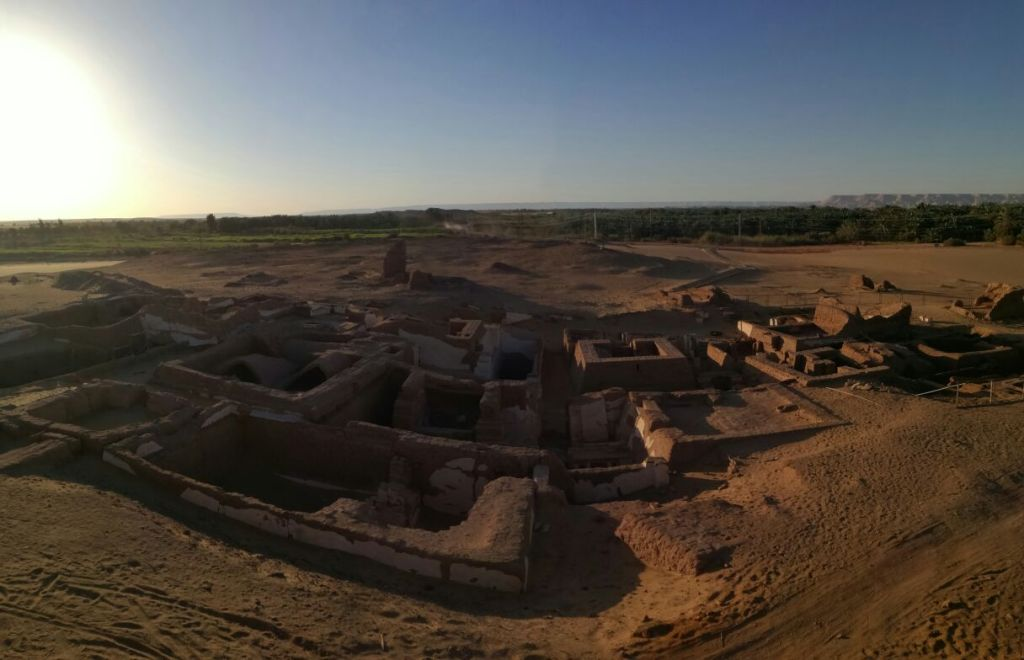 Roman cemetery at Be'r al-Shaghala in the Dakhla Oasis (Photo: Egyptian Independent)